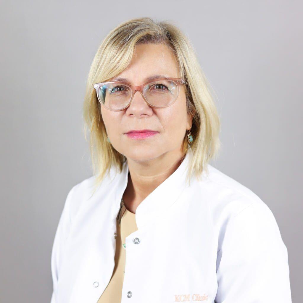 Lek. med. Iza Stolarczyk