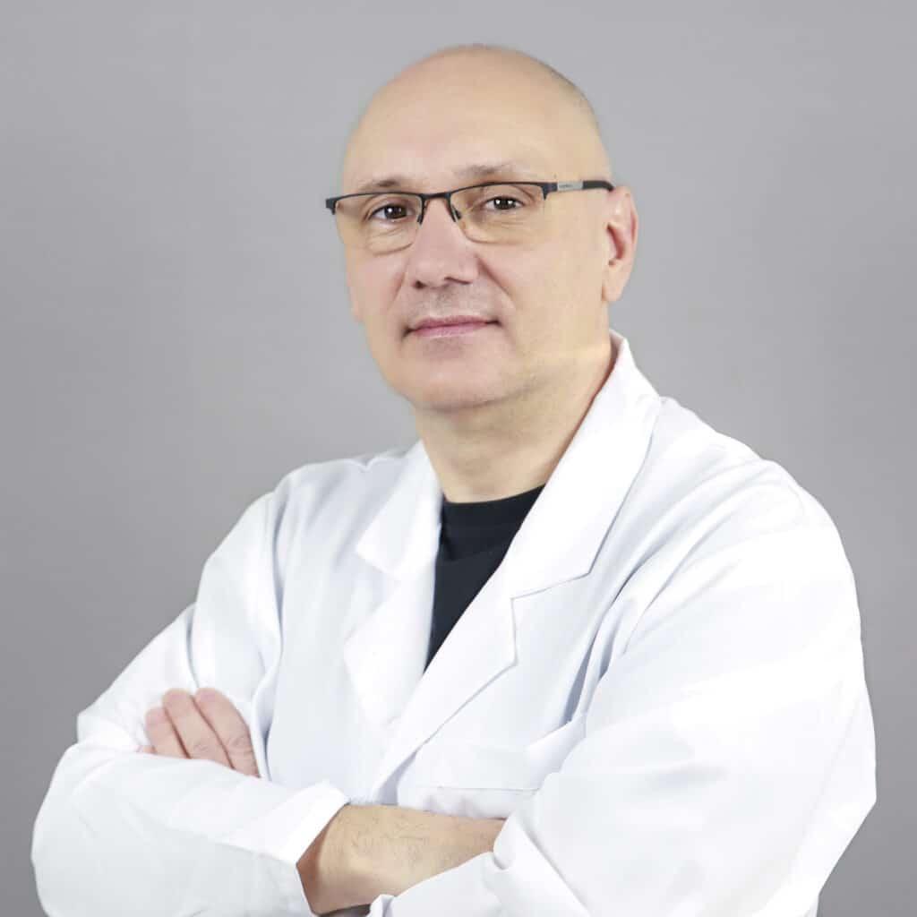 Lek. med. Artur Kucharski